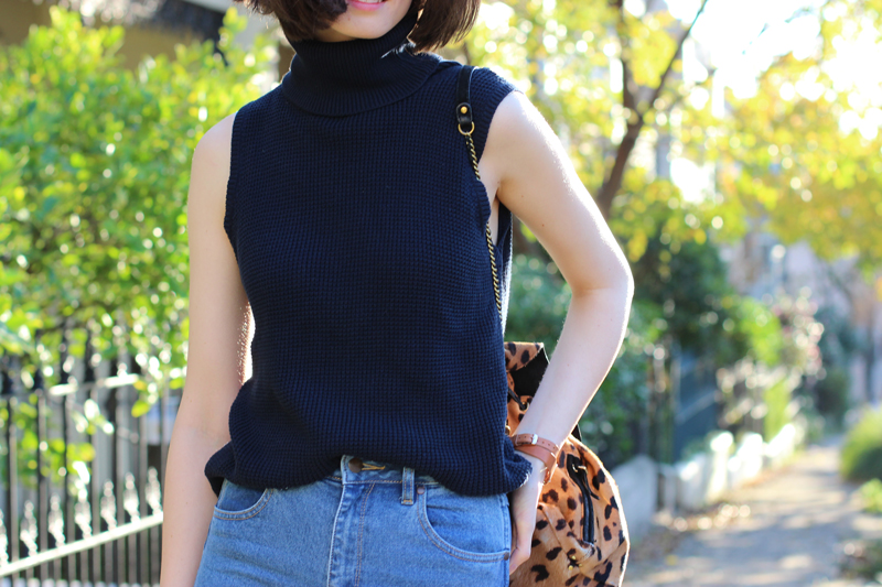 FASHION-AND-SHOPPING-BLOG-_-Chloe-CHill-wearing-Lulu-and-Rose-navy-turtleneck-top-and-wrangler-flared-jeans-from-Glue-Store