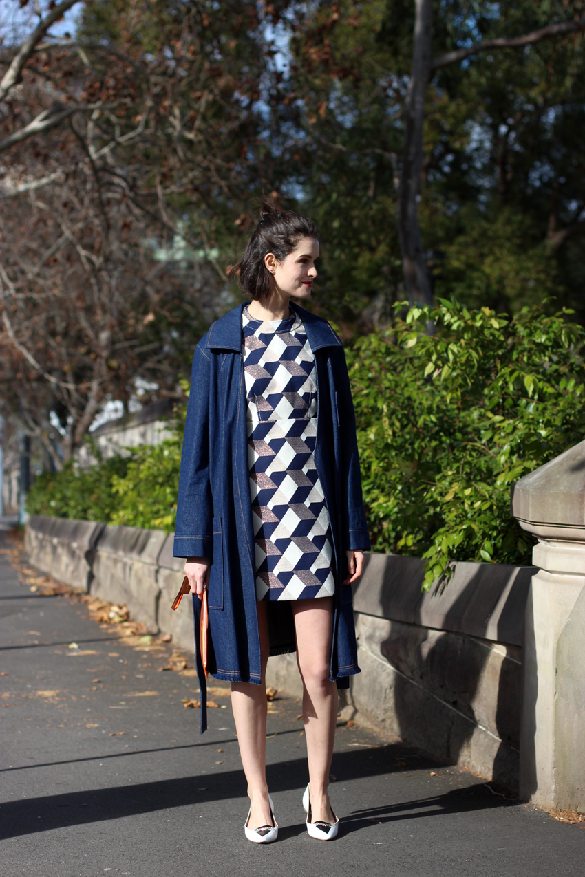 CHLOE-C-HILL-AUSTRALIAN-FASHION-BLOG-Karen-Walker-denim-over-coat-and-printed-shift-dress-from-Time-Machine-Runway