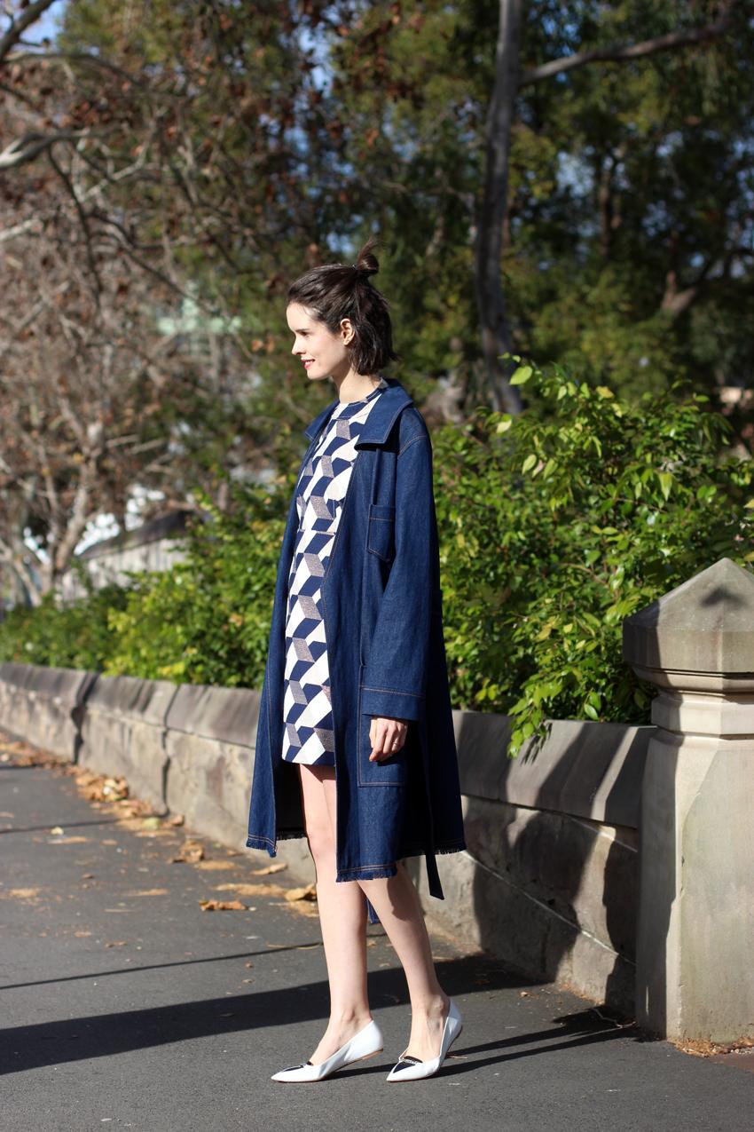 CHLOE-CHILL-AUSTRALIAN-FASHION-BLOG-Karen-Walker-denim-over-coat-and-printed-shift-dress-from-Time-Machine-Runway