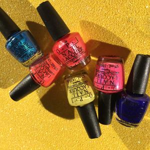CHLOECHILL-BEAUTY-OPI-bright-nail-polish-minis