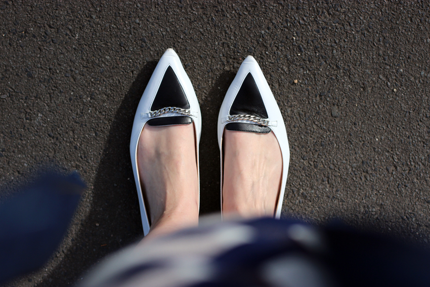 Tabitha-Simmons-black-and-white-point-flats