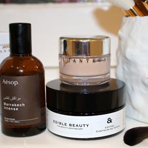 Australian-Beauty-Blog-Post-By-Chloe-Hill-Elizabeth-and-James-body-oil,-aesop-fragrance,-edible-beauty,-chantecaille-foundation,-tarte-beauty-brushes-1