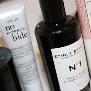 CHLOE-CHILL-BEAUTY-Citizens-of-the-world-candle,-philosophy-no-reason-to-hide-cream,-edible-beauty,-frank-body,-marc-jacobs-coconut-primer