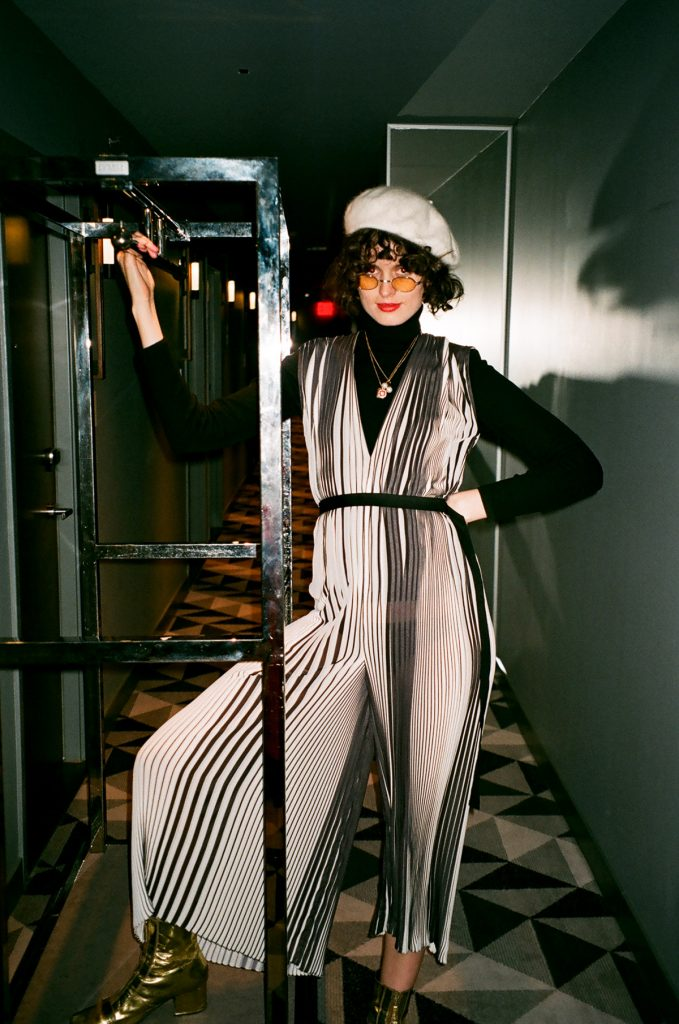 Tome black and white pleast jumpsuit, Etnia barcelona sunglasses and helen kaminski beret CHLOE HILL4